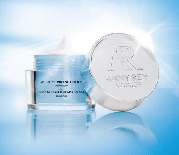 soin visage anti-âge naturel à la gelée royale pour peau sèche. régénérer et revitaliser la peau, anti-oxydant et restructurant